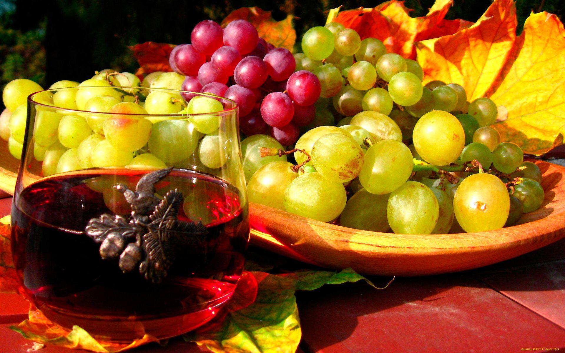виноград на столе в вазе фото выбрать тахту ортопедическим